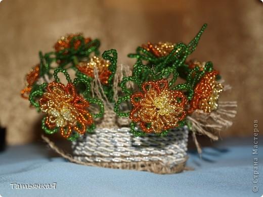 Поделка, изделие Бисероплетение: Цветы-сувениры из бисера Бисер.