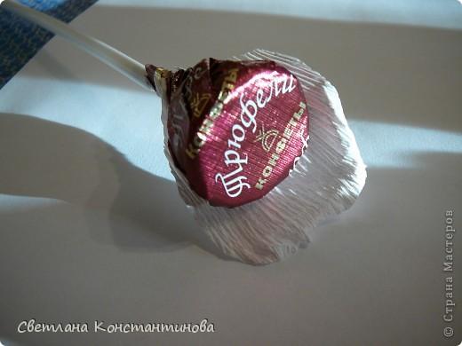 Мастер-класс, Свит-дизайн Бумагопластика: МК по изготовлению роз в свит -дизайне Бумага гофрированная, Бусинки. Фото 12