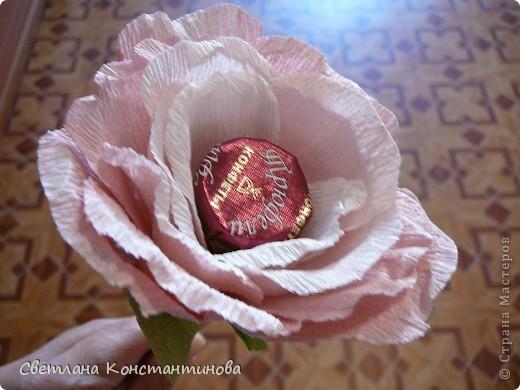 Мастер-класс, Свит-дизайн Бумагопластика: МК по изготовлению роз в свит -дизайне Бумага гофрированная, Бусинки. Фото 19