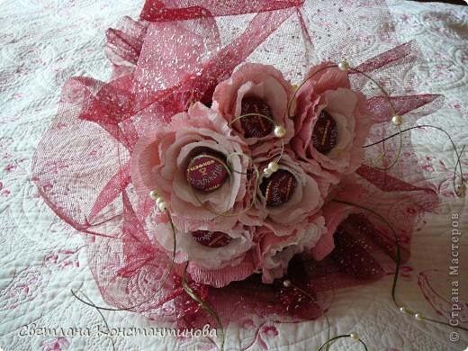 Мастер-класс, Свит-дизайн Бумагопластика: МК по изготовлению роз в свит -дизайне Бумага гофрированная, Бусинки. Фото 1