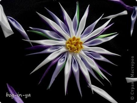 Мастер-класс, Поделка, изделие Цумами Канзаши: еще один цветок и малюсенький МК Клей, Ленты. Фото 1