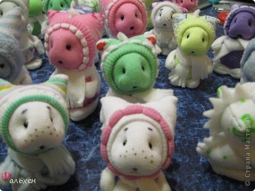 Куклы, Мастер-класс Шитьё: Чудики.... продолжение.... Дракоши-Чудики МК Бусинки, Клей, Нитки, Носки Новый год. Фото 1