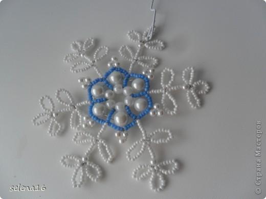 Мастер-класс Бисероплетение: Снежинки  МК Бисер Новый год. Фото 3