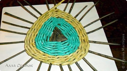 Мастер-класс Плетение: Плетение треугольного дна+МК к нему. Бумага газетная, Трубочки бумажные. Фото 6