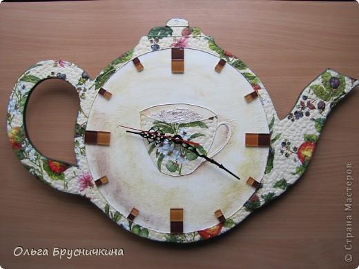 """Мастер-класс, Поделка, изделие Декупаж: Часы"""" Приглашаем на чай"""" Салфетки, Скорлупа яичная, Фанера. Фото 1"""
