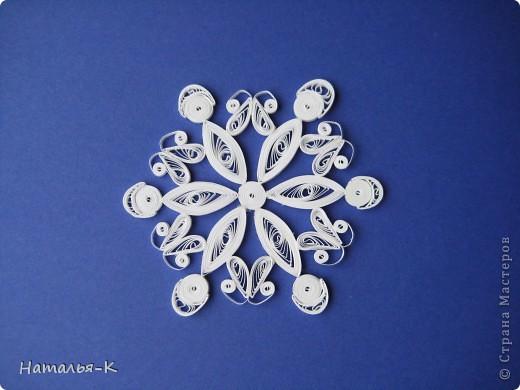 Мастер-класс Квиллинг: Снежинки. Бумажные полосы Новый год. Фото 2