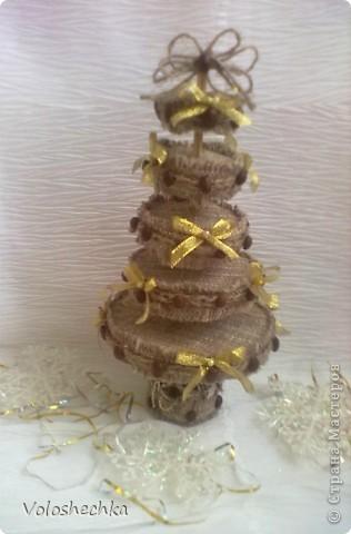 Поделка, изделие: Кофейная елочка  Клей, Мешковина, Шпагат Новый год. Фото 1