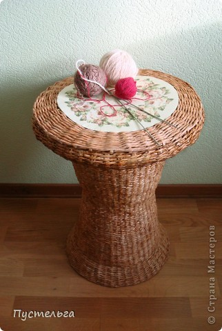 Поделка, изделие Декупаж, Плетение: Столик для вязания Бумага, Картон. Фото 1