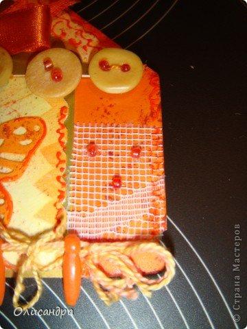 """Давно не скрапила...Соскучилась по этому занятию...И опять было страшно начинать... Продолжаю делать домики, """"заклинило"""" ...:)) МК по закладочкам здесь... <a href=""""http://scraphouse.ru/masterclass/flowers-and-decorations/beautiful-bookmarks-for-book.html"""" title=""""http://scraphouse.ru/masterclass/flowers-and-decorations/beautiful-bookmarks-for-book.html"""">http://scraphouse.ru/masterclass/flowers-and-decorations/beautiful-bookm...</a>. Фото 13"""