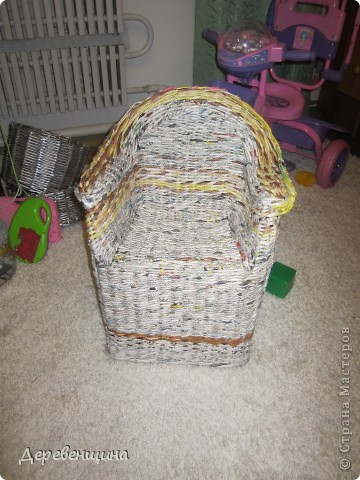 Да-да. Забывайте. Потому что отныне это креслице будем видеть только на фотографии. Оно красивое, для девочки. Но... такие есть у всех. Будем его прятать!!!. Фото 32