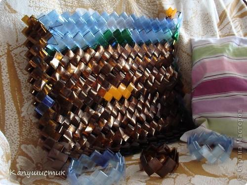 Корзинки из крышек от пластиковых бутылок своими руками фото 96