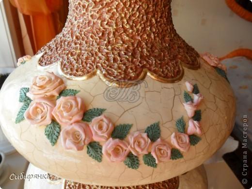 """Приветствую всех жителей """"Страны мастеров""""!  Хочу показать вам вазу из папье-маше.Это первое моё творение и сделана она, для украшения моего интерьера. Высота вазы 60см, в диаметре 25см. Очень хотелось приблизить к фарфору, но навыка нет. Натуральный цвет, сфотографировать мне не удалось.. Фото 17"""