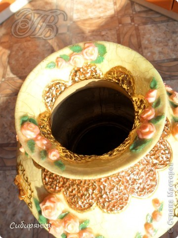 """Приветствую всех жителей """"Страны мастеров""""!   Хочу показать вам вазу из папье-маше.Это первое моё творение и сделана  она, для украшения моего интерьера. Высота вазы 60см, в диаметре 25см.  Очень хотелось приблизить к фарфору, но навыка нет. Натуральный цвет,  сфотографировать мне не удалось.. Фото 24"""