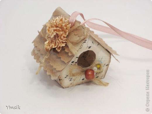 Мастер-класс Коллаж: Скворечник с сюрпризом, или как можно красиво подарить крашеное яйцо. Бумага, Бусинки, Картон гофрированный, Клей, Кружево, Ленты День рождения, Новый год, Пасха. Фото 20