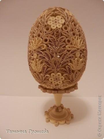 Поделка, изделие Квиллинг: Ажурное яйцо в бежевых тонах. Бумажные полосы Пасха. Фото 2