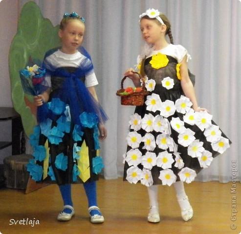 Костюм или платье из бросового материала своими руками
