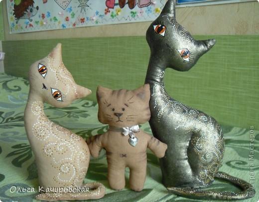 Игрушка, Мастер-класс Шитьё: А у нас теперь кошки живут!  Ткань 8 марта, Валентинов день, День рождения. Фото 45