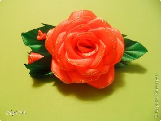 Мастер-класс Цумами Канзаши: Мини МК изготовления розы маленькой Ленты, Нитки Выпускной, День рождения, Свадьба. Фото 1