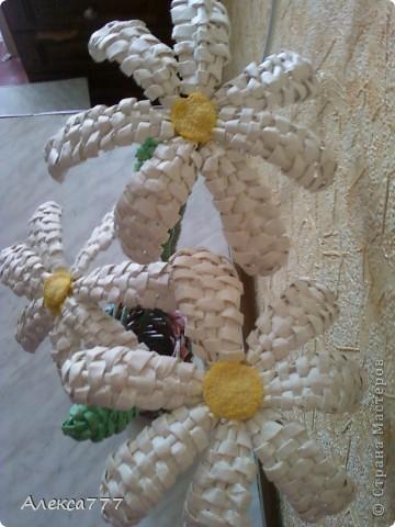 Мастер-класс Плетение: Мои ромашечки Бумага газетная, Бумага журнальная, Вата, Клей, Нитки. Фото 16