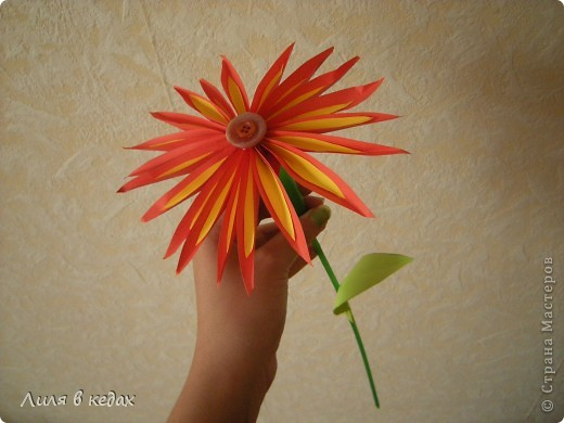 Мастер-класс Бумагопластика: МК. Солнечный цветок. Бумага, Клей, Пуговицы. Фото 1