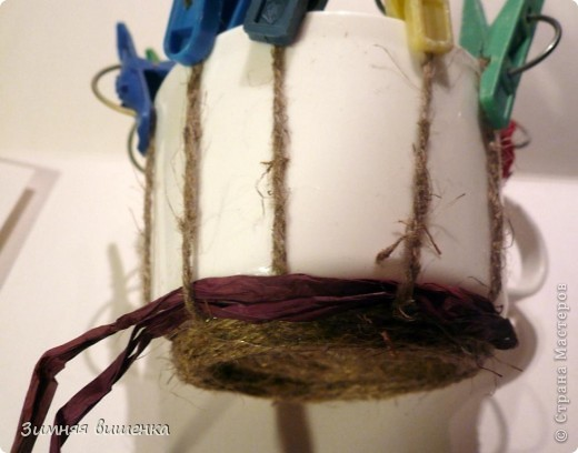 Декор предметов, Мастер-класс Плетение: Пластмассовую кружку превращаем ... в кашпо))). Фото 9
