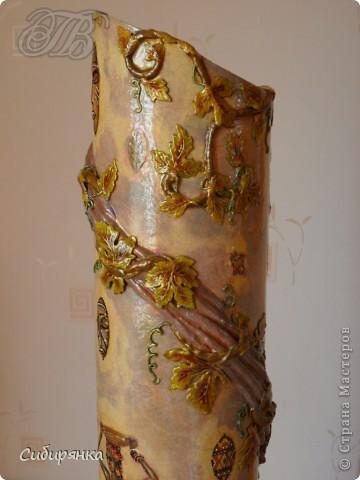 Приветствую жителей Страны Мастеров! Хочу показать вам мою поделку. Делалась ваза долго, с большими перерывами. Высота сего сооружения 70 см. и диаметр 12см. Материал использовала бросовый - это кусок от шпульки для линолиума, а так же  смесь гипса и безусадочной шпаклёвки, холодный фарфор, салфетка всем известная и многими просто любимая, кракелюр на ПВА, кракелюрная пара 753-754 для мелкого кракелюра, пара739-740 для крупного, пигмент золотой для затирки, акриловые краски различных цветов, лак акриловый, на финиш лак паркетный. Первые четыре фотографии, это вид со всех сторон. . Фото 7