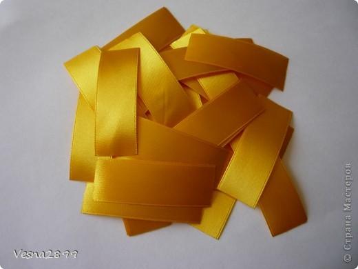Мастер-класс Цумами Канзаши: МК хризантемы Ленты. Фото 3