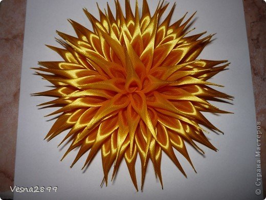 Мастер-класс Цумами Канзаши: МК хризантемы Ленты. Фото 10