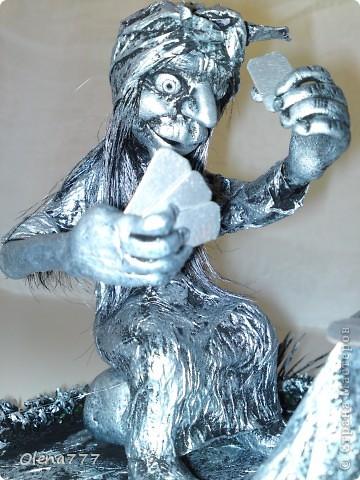 Куклы, Мастер-класс, Поделка, изделие Бумагопластика, Лепка, Моделирование: Там, на неведомых дорожках, играет в карты Бабка-Ёжка. Картон, Клей, Краска, Пластика, Проволока, Салфетки, Тесто соленое. Фото 3