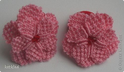 Мастер-класс Макраме: Макраме цветочки из квадратных узлов на резинке для волос Бусинки, Клей, Нитки