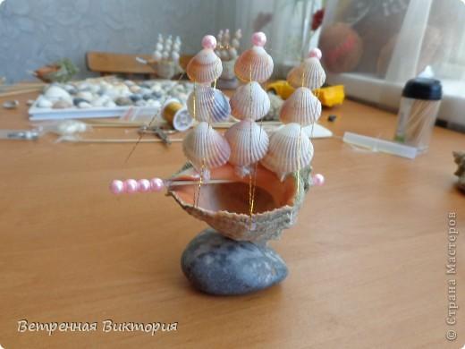 Поделки кораблик из ракушек