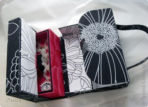 Поделка, изделие Моделирование: Шкатулка сумочка. Картонаж. Картон, Ткань. Фото 1