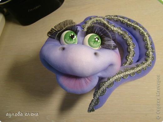 Мастер-класс Шитьё: Змейка, делаем мордочку  Капрон, Проволока Новый год. Фото 35