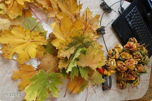 Мастер-класс Моделирование: Осенний венок  Дерево, Жёлуди, Клей, Листья, Материал природный, Шишки Праздник осени. Фото 2
