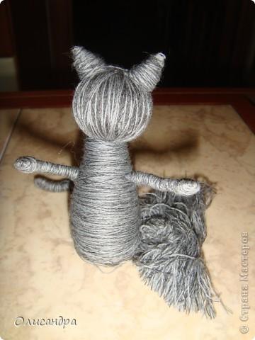 """Здравствуйте! Здравствуйте! Здравствуйте! Сегодня хочу показать Вам мое новое увлечение... игрушки-мотанки... Если эта техника Вас заинтересует, то необходимые мастер-классы найдете здесь...  <a href=""""http://www.liveinternet.ru/users/3909035/rubric/2100167"""" title=""""http://www.liveinternet.ru/users/3909035/rubric/2100167"""">http://www.liveinternet.ru/users/3909035/rubric/2100167</a>  А мои игрушки сделаны по этому МК <a href=""""http://mastera-rukodeliya.ru/raznoe/1510-sherstyanushki.html"""" title=""""http://mastera-rukodeliya.ru/raznoe/1510-sherstyanushki.html"""">http://mastera-rukodeliya.ru/raznoe/1510-sherstyanushki.html</a> только потом обратила внимание, что Светлячок и К """"живет"""" в нашей Стране Мастеров и этот МК скопирован из ее блога <a href=""""http://stranamasterov.ru/node/178799?t=451"""" title=""""http://stranamasterov.ru/node/178799?t=451"""">http://stranamasterov.ru/node/178799?t=451</a>  теперь ее НИК ... Каночкина Светлана. Фото 17"""