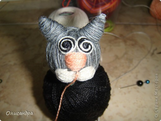 """Здравствуйте! Здравствуйте! Здравствуйте! Сегодня хочу показать Вам мое новое увлечение... игрушки-мотанки... Если эта техника Вас заинтересует, то необходимые мастер-классы найдете здесь...  <a href=""""http://www.liveinternet.ru/users/3909035/rubric/2100167"""" title=""""http://www.liveinternet.ru/users/3909035/rubric/2100167"""">http://www.liveinternet.ru/users/3909035/rubric/2100167</a>  А мои игрушки сделаны по этому МК <a href=""""http://mastera-rukodeliya.ru/raznoe/1510-sherstyanushki.html"""" title=""""http://mastera-rukodeliya.ru/raznoe/1510-sherstyanushki.html"""">http://mastera-rukodeliya.ru/raznoe/1510-sherstyanushki.html</a> только потом обратила внимание, что Светлячок и К """"живет"""" в нашей Стране Мастеров и этот МК скопирован из ее блога <a href=""""http://stranamasterov.ru/node/178799?t=451"""" title=""""http://stranamasterov.ru/node/178799?t=451"""">http://stranamasterov.ru/node/178799?t=451</a>  теперь ее НИК ... Каночкина Светлана. Фото 20"""