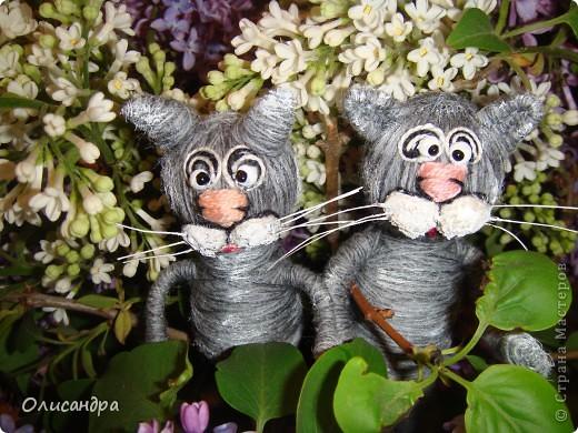 """Здравствуйте! Здравствуйте! Здравствуйте! Сегодня хочу показать Вам мое новое увлечение... игрушки-мотанки... Если эта техника Вас заинтересует, то необходимые мастер-классы найдете здесь...  <a href=""""http://www.liveinternet.ru/users/3909035/rubric/2100167"""" title=""""http://www.liveinternet.ru/users/3909035/rubric/2100167"""">http://www.liveinternet.ru/users/3909035/rubric/2100167</a>  А мои игрушки сделаны по этому МК <a href=""""http://mastera-rukodeliya.ru/raznoe/1510-sherstyanushki.html"""" title=""""http://mastera-rukodeliya.ru/raznoe/1510-sherstyanushki.html"""">http://mastera-rukodeliya.ru/raznoe/1510-sherstyanushki.html</a> только потом обратила внимание, что Светлячок и К """"живет"""" в нашей Стране Мастеров и этот МК скопирован из ее блога <a href=""""http://stranamasterov.ru/node/178799?t=451"""" title=""""http://stranamasterov.ru/node/178799?t=451"""">http://stranamasterov.ru/node/178799?t=451</a>  теперь ее НИК ... Каночкина Светлана. Фото 5"""