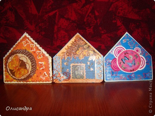 """МК по закладкам   <a href=""""http://scraphouse.ru/masterclass/flowers-and-decorations/beautiful-bookmarks-for-book.html"""" title=""""http://scraphouse.ru/masterclass/flowers-and-decorations/beautiful-bookmarks-for-book.html"""">http://scraphouse.ru/masterclass/flowers-and-decorations/beautiful-bookm...</a> Внизу еще несколько полезных ссылок... ************************************************************************************************************** Тема бабочек, которую я начала в открытках, неисчерпаема... <a href=""""http://stranamasterov.ru/node/401329"""" title=""""http://stranamasterov.ru/node/401329"""">http://stranamasterov.ru/node/401329</a> <a href=""""http://stranamasterov.ru/node/404588"""" title=""""http://stranamasterov.ru/node/404588"""">http://stranamasterov.ru/node/404588</a> <a href=""""http://stranamasterov.ru/node/428247"""" title=""""http://stranamasterov.ru/node/428247"""">http://stranamasterov.ru/node/428247</a>  Поэтому решила продолжить """"эксплуатацию этих красивых насекомых"""" и в закладочках тоже... Несмотря на то, что мое скрап-увлечение постепенно """"обрастает"""" необходимыми материалами и инструментами, продолжаю экспериментировать также и  с бросовыми материалами и подручными инструментами... . Фото 19"""