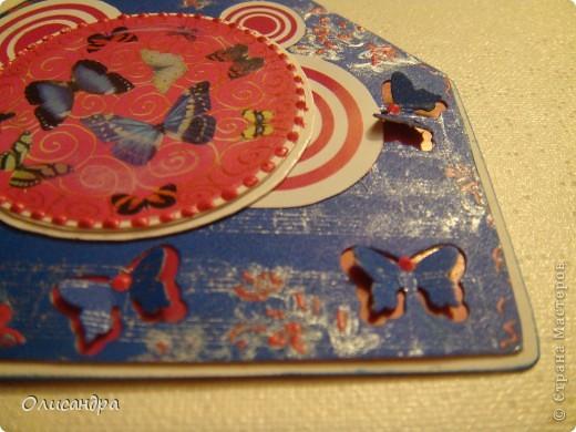 """МК по закладкам   <a href=""""http://scraphouse.ru/masterclass/flowers-and-decorations/beautiful-bookmarks-for-book.html"""" title=""""http://scraphouse.ru/masterclass/flowers-and-decorations/beautiful-bookmarks-for-book.html"""">http://scraphouse.ru/masterclass/flowers-and-decorations/beautiful-bookm...</a> Внизу еще несколько полезных ссылок... ************************************************************************************************************** Тема бабочек, которую я начала в открытках, неисчерпаема... <a href=""""http://stranamasterov.ru/node/401329"""" title=""""http://stranamasterov.ru/node/401329"""">http://stranamasterov.ru/node/401329</a> <a href=""""http://stranamasterov.ru/node/404588"""" title=""""http://stranamasterov.ru/node/404588"""">http://stranamasterov.ru/node/404588</a> <a href=""""http://stranamasterov.ru/node/428247"""" title=""""http://stranamasterov.ru/node/428247"""">http://stranamasterov.ru/node/428247</a>  Поэтому решила продолжить """"эксплуатацию этих красивых насекомых"""" и в закладочках тоже... Несмотря на то, что мое скрап-увлечение постепенно """"обрастает"""" необходимыми материалами и инструментами, продолжаю экспериментировать также и  с бросовыми материалами и подручными инструментами... . Фото 14"""