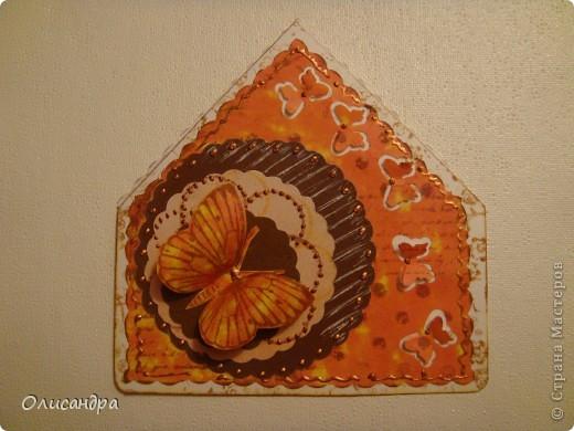 """МК по закладкам   <a href=""""http://scraphouse.ru/masterclass/flowers-and-decorations/beautiful-bookmarks-for-book.html"""" title=""""http://scraphouse.ru/masterclass/flowers-and-decorations/beautiful-bookmarks-for-book.html"""">http://scraphouse.ru/masterclass/flowers-and-decorations/beautiful-bookm...</a> Внизу еще несколько полезных ссылок... ************************************************************************************************************** Тема бабочек, которую я начала в открытках, неисчерпаема... <a href=""""http://stranamasterov.ru/node/401329"""" title=""""http://stranamasterov.ru/node/401329"""">http://stranamasterov.ru/node/401329</a> <a href=""""http://stranamasterov.ru/node/404588"""" title=""""http://stranamasterov.ru/node/404588"""">http://stranamasterov.ru/node/404588</a> <a href=""""http://stranamasterov.ru/node/428247"""" title=""""http://stranamasterov.ru/node/428247"""">http://stranamasterov.ru/node/428247</a>  Поэтому решила продолжить """"эксплуатацию этих красивых насекомых"""" и в закладочках тоже... Несмотря на то, что мое скрап-увлечение постепенно """"обрастает"""" необходимыми материалами и инструментами, продолжаю экспериментировать также и  с бросовыми материалами и подручными инструментами... . Фото 2"""