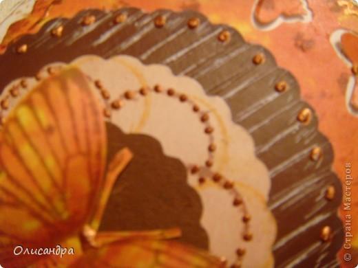 """МК по закладкам   <a href=""""http://scraphouse.ru/masterclass/flowers-and-decorations/beautiful-bookmarks-for-book.html"""" title=""""http://scraphouse.ru/masterclass/flowers-and-decorations/beautiful-bookmarks-for-book.html"""">http://scraphouse.ru/masterclass/flowers-and-decorations/beautiful-bookm...</a> Внизу еще несколько полезных ссылок... ************************************************************************************************************** Тема бабочек, которую я начала в открытках, неисчерпаема... <a href=""""http://stranamasterov.ru/node/401329"""" title=""""http://stranamasterov.ru/node/401329"""">http://stranamasterov.ru/node/401329</a> <a href=""""http://stranamasterov.ru/node/404588"""" title=""""http://stranamasterov.ru/node/404588"""">http://stranamasterov.ru/node/404588</a> <a href=""""http://stranamasterov.ru/node/428247"""" title=""""http://stranamasterov.ru/node/428247"""">http://stranamasterov.ru/node/428247</a>  Поэтому решила продолжить """"эксплуатацию этих красивых насекомых"""" и в закладочках тоже... Несмотря на то, что мое скрап-увлечение постепенно """"обрастает"""" необходимыми материалами и инструментами, продолжаю экспериментировать также и  с бросовыми материалами и подручными инструментами... . Фото 4"""