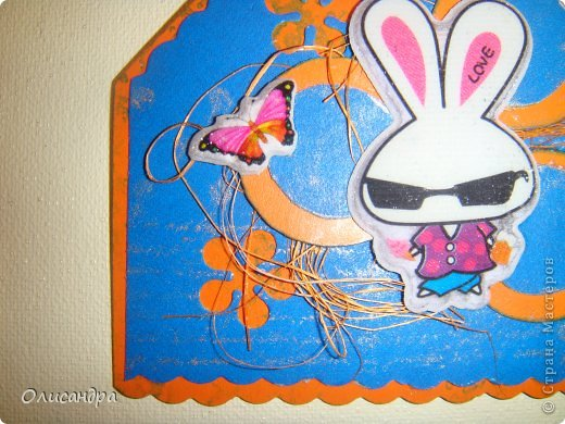 """МК по закладкам  <a href=""""http://scraphouse.ru/masterclass/flowers-and-decorations/beautiful-bookmarks-for-book.html"""" title=""""http://scraphouse.ru/masterclass/flowers-and-decorations/beautiful-bookmarks-for-book.html"""">http://scraphouse.ru/masterclass/flowers-and-decorations/beautiful-bookm...</a> А здесь закладки, сделанные ранее ... <a href=""""http://stranamasterov.ru/blog/34319/1484"""" title=""""http://stranamasterov.ru/blog/34319/1484"""">http://stranamasterov.ru/blog/34319/1484</a> ********************************************************************************************* Добрый день! Я ,в очередной раз, с закладками. В этот раз получилась """"Детская серия"""". Несмотря на то, что постепенно """"обрастаю"""" необходимыми материалами для скрапа, продолжаю использовать в своих работах и бросовый материал.  Не потому , что жаль расставаться с красивыми бумажками, просто хочется попробовать свои силы и сделать что-то симпатичное из того, что можно найти  в каждом доме. Использовала картон для детского творчества. Все фоны делала самостоятельно с помощью штампов и чернил. Пользовалась дыроколами и искала применение для стикеров. И вот , что получилось в итоге... . Фото 7"""