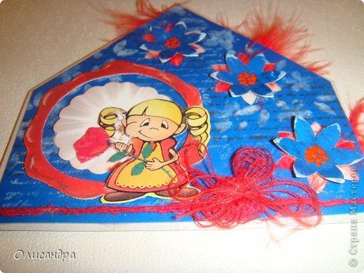 """МК по закладкам  <a href=""""http://scraphouse.ru/masterclass/flowers-and-decorations/beautiful-bookmarks-for-book.html"""" title=""""http://scraphouse.ru/masterclass/flowers-and-decorations/beautiful-bookmarks-for-book.html"""">http://scraphouse.ru/masterclass/flowers-and-decorations/beautiful-bookm...</a> А здесь закладки, сделанные ранее ... <a href=""""http://stranamasterov.ru/blog/34319/1484"""" title=""""http://stranamasterov.ru/blog/34319/1484"""">http://stranamasterov.ru/blog/34319/1484</a> ********************************************************************************************* Добрый день! Я ,в очередной раз, с закладками. В этот раз получилась """"Детская серия"""". Несмотря на то, что постепенно """"обрастаю"""" необходимыми материалами для скрапа, продолжаю использовать в своих работах и бросовый материал.  Не потому , что жаль расставаться с красивыми бумажками, просто хочется попробовать свои силы и сделать что-то симпатичное из того, что можно найти  в каждом доме. Использовала картон для детского творчества. Все фоны делала самостоятельно с помощью штампов и чернил. Пользовалась дыроколами и искала применение для стикеров. И вот , что получилось в итоге... . Фото 14"""