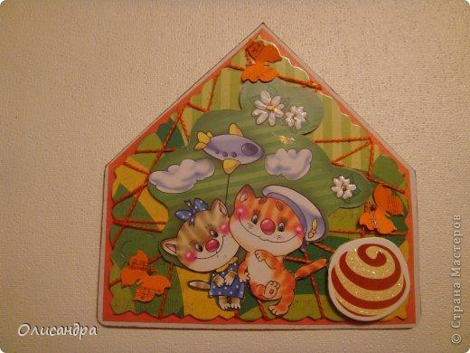 """МК по закладкам  <a href=""""http://scraphouse.ru/masterclass/flowers-and-decorations/beautiful-bookmarks-for-book.html"""" title=""""http://scraphouse.ru/masterclass/flowers-and-decorations/beautiful-bookmarks-for-book.html"""">http://scraphouse.ru/masterclass/flowers-and-decorations/beautiful-bookm...</a> А здесь закладки, сделанные ранее ... <a href=""""http://stranamasterov.ru/blog/34319/1484"""" title=""""http://stranamasterov.ru/blog/34319/1484"""">http://stranamasterov.ru/blog/34319/1484</a> ********************************************************************************************* Добрый день! Я ,в очередной раз, с закладками. В этот раз получилась """"Детская серия"""". Несмотря на то, что постепенно """"обрастаю"""" необходимыми материалами для скрапа, продолжаю использовать в своих работах и бросовый материал.  Не потому , что жаль расставаться с красивыми бумажками, просто хочется попробовать свои силы и сделать что-то симпатичное из того, что можно найти  в каждом доме. Использовала картон для детского творчества. Все фоны делала самостоятельно с помощью штампов и чернил. Пользовалась дыроколами и искала применение для стикеров. И вот , что получилось в итоге... . Фото 11"""