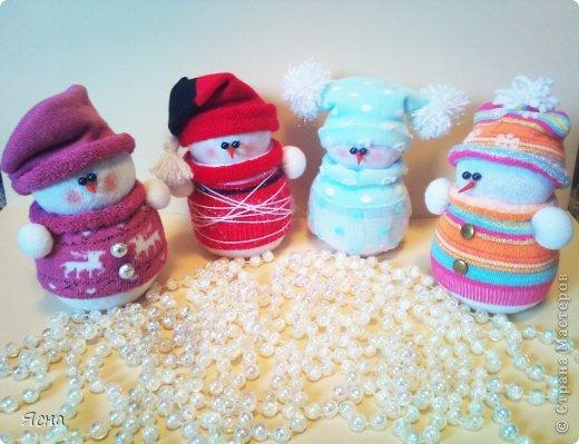 Мастер-класс, Поделка, изделие Шитьё: И снова снеговики из носков + мои дополнения Носки Новый год. Фото 1