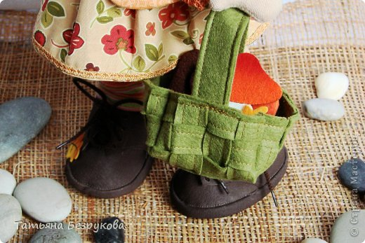 Куклы Шитьё: Девочка с грибами.  Ткань. Фото 2