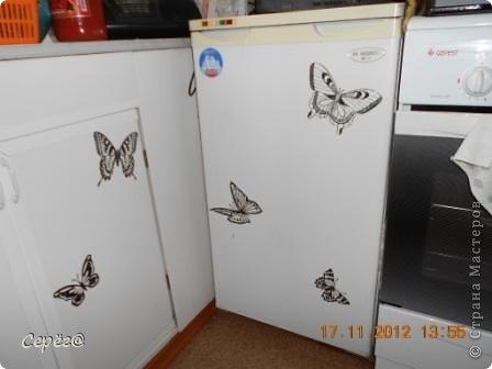 Декор предметов, Мастер-класс Орнамент: Бабочки на холодильнике Бумага, Клеёнка. Фото 3