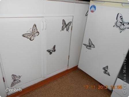 Декор предметов, Мастер-класс Орнамент: Бабочки на холодильнике Бумага, Клеёнка. Фото 1