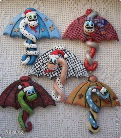 Мастер-класс, Поделка, изделие Лепка: Сувенирчики к новому году,змейки на зонтах. Тесто соленое Новый год. Фото 3