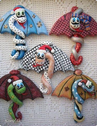 Мастер-класс, Поделка, изделие Лепка: Сувенирчики к новому году,змейки на зонтах. Тесто соленое Новый год. Фото 1